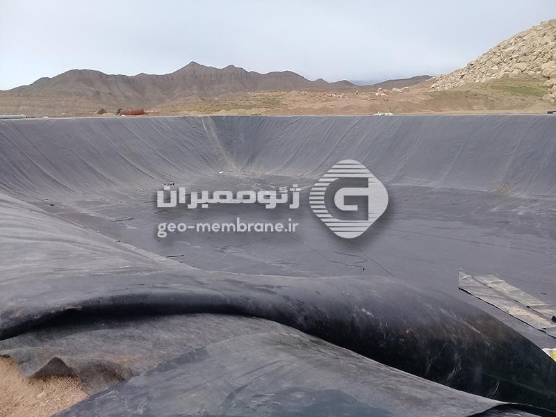 استخر ژئوممبران 8500 متری ذخیره آب کشاورزی کاشان