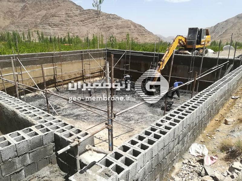 استخر ژئوممبران ذخیره آب کشاورزی سیرچ کرمان