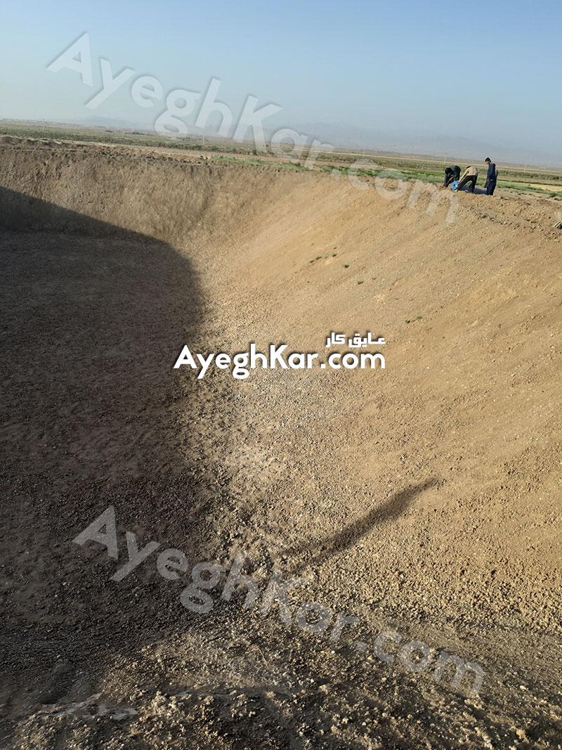 ساخت استخر کشاورزی ذخیره آب در استان قم شهر قنوات