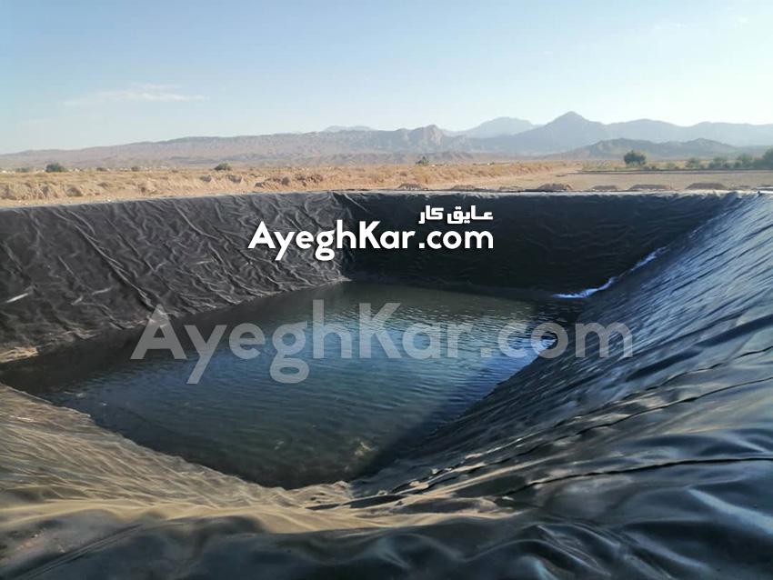 آبگیری استخر ژئوممبران ذخیره آب کشاورزی حاجی آباد هرمزگان