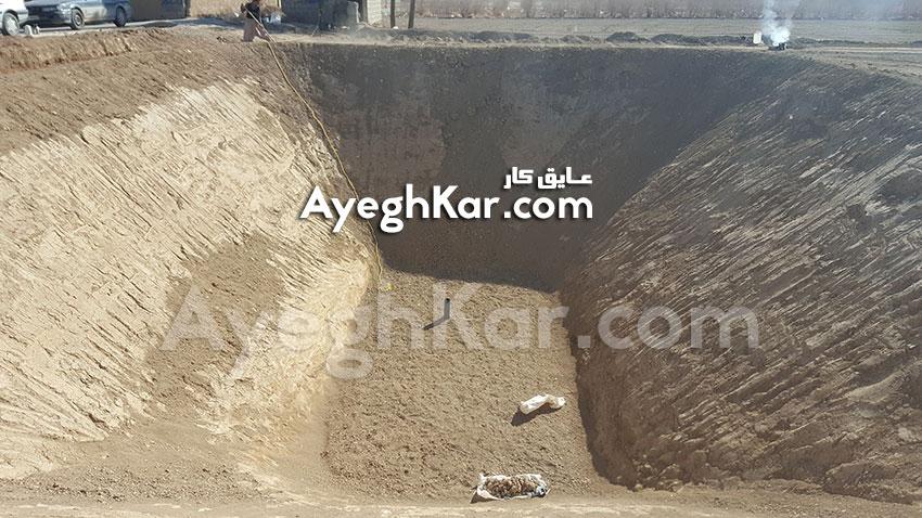 بستر سازی استخر خاکی ذخیره آب کشاورزی روستای کروه اصفهان